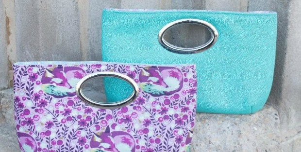 Free sewing pattern for this quick and easy to sew clutch bag. Those handles are great - take care to read the tips about the best handles to use.