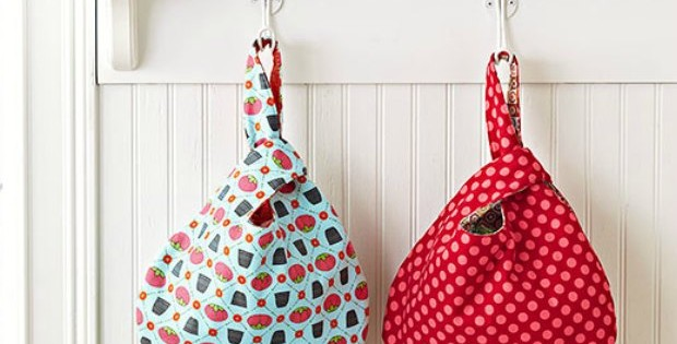 The free sewing pattern for this Grab Bag is perfect for beginners. No difficult zips or closures, simple materials and quick and easy to sew. I taught my niece to sew with this bag pattern.