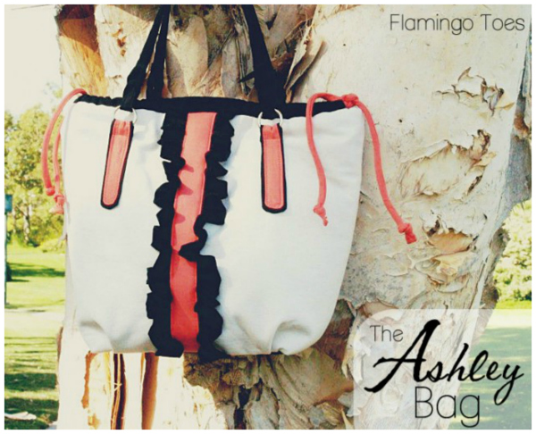 The Ashley Bag is such a perfect bag for spring and summer and the pattern for this purse is FREE. It has some great elements including fun ruffles and a semi-drawstring top.