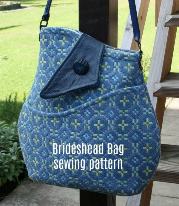 The Brideshead Bag has an elegant and unusual curved shape and features a front pocket and flap following the clean, simple lines associated with the decade. The bag also includes an interior pocket and the designer has included instructions in the digital pattern download.