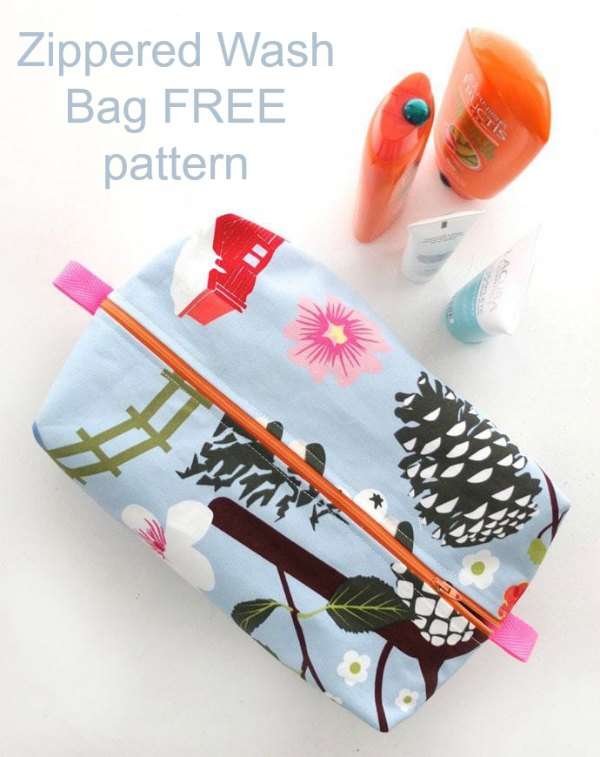 FREE sewing pattern for the Zippered Wash Bag