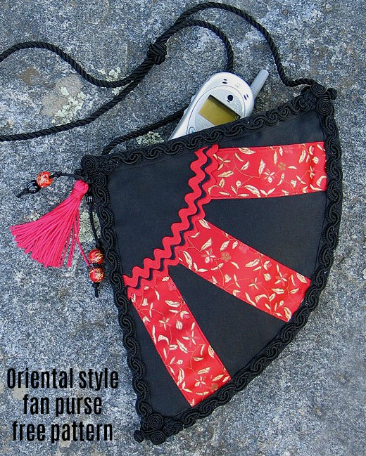 If you want to make yourself an oriental style purse as a perfect fashion accessory then here is a fabulous example. Here's the quick and easy to put together digital pattern for the Oriental Style Fan Purse, where the pattern is free.