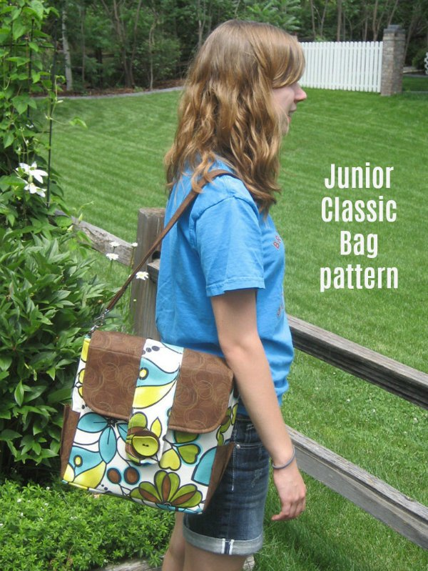 The Junior Classic Bag is a little messenger-style bag that can be worn as a shoulder bag or a crossbody bag. It has lots of pockets both inside and out, and the front pocket is especially perfect for an iPad or other tech toys.