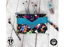 The Victoria Wristlet (with video) sewing pattern
